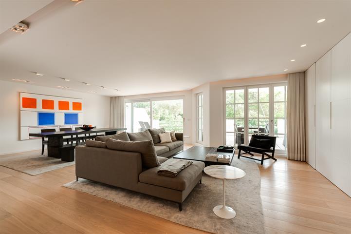 Prachtig appartement in een privatief domein van bijna 5 ha met binnenzwembad op enkele stappen van het Zwin, de  wandeldijk,...